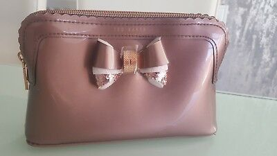 b3b5ab77a6ad64 TED BAKER Ladies Wash Bag ARDITH Large Make-Up Scallop Edge Pvc Bags BNWT