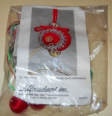 Herrschners Inc. Christmas  Mini Delights Ornament Kit New Old Stock