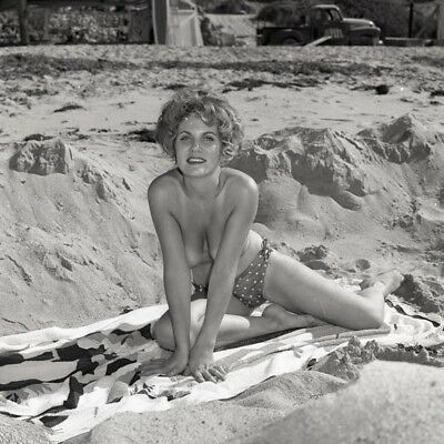 """E-4 STUNNING LAURA VICKERS 1966 2¼"""" NUDE NEGATIVE GORGEOUS BLOND by RON VOGEL"""