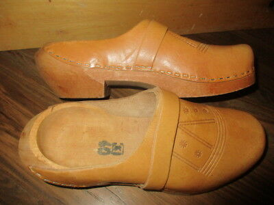 Vintage WOODEN SWEDISH CLOGS HAND CARVED TOOLED LEATHER SZ 40 M/8 W/10