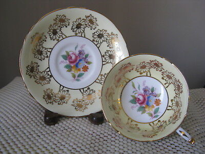 Paragon Yellow Cup & Saucer w Gold Daisies & Multicolored Floral Center A4116
