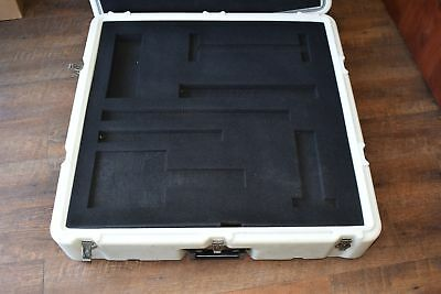 Hardigg Pelican Mobile Master Equalize Pressure 30'' x 30'' x 10'' Case