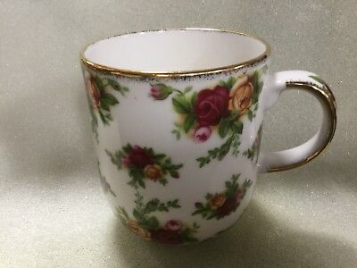 ''old Country Roses'' -  Classic -  By Royal Albert -- Mug -- 6 Available .....