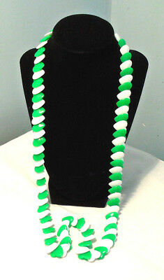 Retro Green & White Flat Plastic Heart Endless Necklace 33 in.