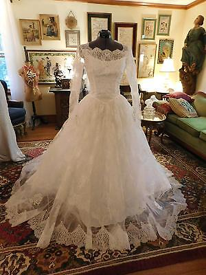 GORGEOUS WHITE CHANTILLY Lace Vintage Wedding Gown Long Sleeve From ...