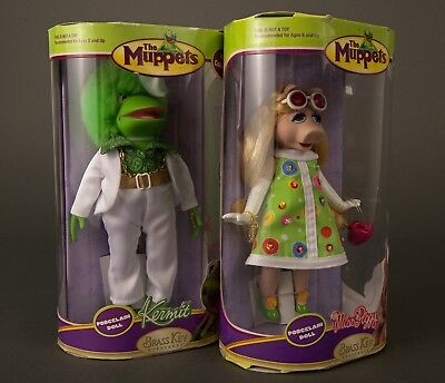 Muppets Kermit and Miss Piggy 70's style porcelain dolls