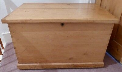 Vintage Chic Victorian Pine Blanket Chest, free delivery Greater London