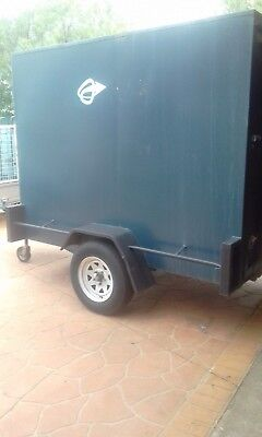 enclosed trailer 8x5 single axle with brakes