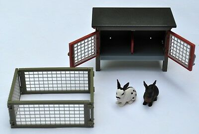 Schleich animals lot of 2 rabbit figures + hutch and pen excellent condition