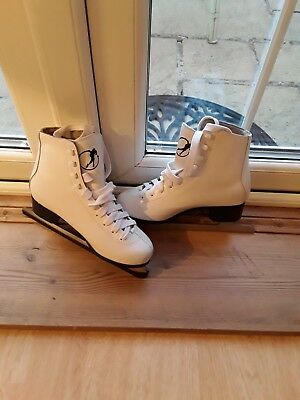 SFR GALAXY White ice skates. UK Size 5.
