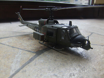 1/72 Bell Uh-1....