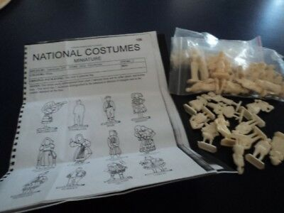 Sanitarium ....3 Sets Plastic Figures... Costumes