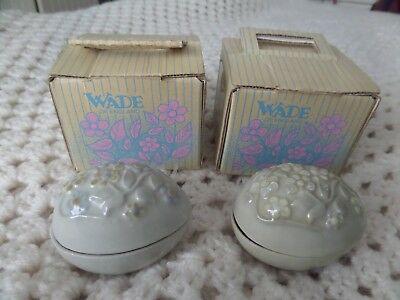 Wade 2 x Egg Trinket boxes boxed & Wade Wall Plaque