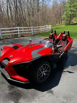 2016 Other Makes  2016 Polaris Slingshot SL Red only 1570 miles! Perfect condition!