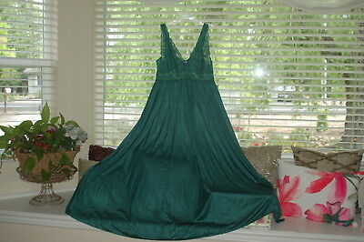 Shadowline Vintage Sweep Olga Style Nightgown Green Lace Size Medium