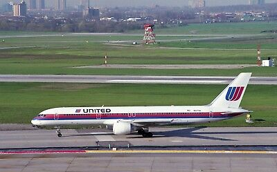 """United Airlines Boeing 757-200 Old Colors  """"n527Ua""""   8"""" X 12"""" Color Photo"""