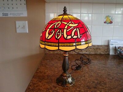 Tiffany Style PLASTIC Coke Cola Lamp-Stained Glass Look-Table-Desks-Man Cave-Bar