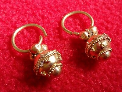 Byzantine gold,Ancient gold. Metal detector finds,Ancient Byzantin gold earrings