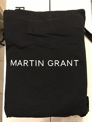 NEW 2018 QANTAS Airways First Class MARTIN GRANT Airline Pyjamas, size L/XL