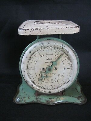 VINTAGE ANTIQUE PELOUZE FAMILY SCALE DELUXE Kitchen Counter Scale Green