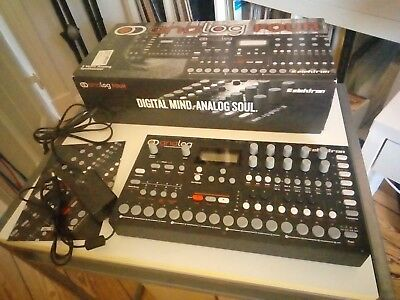 Elektron Analog Four MK1 - analoger 4 voice polyphoner Desktopsynthesizer