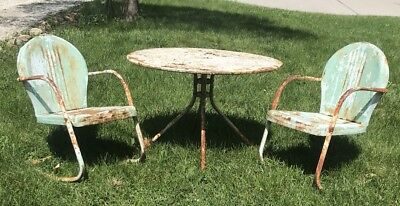 Vintage Mid-Century Clam Shell Outdoor Patio Garden Chairs 1950's With Table Set