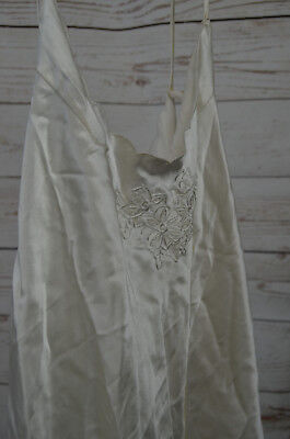 Vintage Pure Silk Negligee in cream with embroidered floral motif