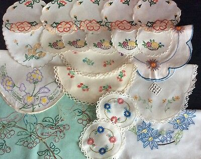 Collection 20 Vintage Hand Embroidered Table Mats & 1 Runner ~ Ex. Cond.