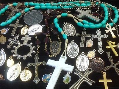 Lot Of Vintage~Now Catholic/religious Rosaries, Crucifixes, Medals...   (E46)