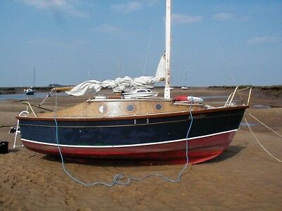 Sailboat - trailer/sailer, lifting keel, project needs completion