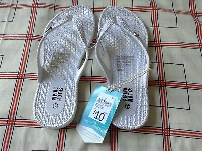 Piping Hot Ladies Cabazon Thongs (flip flops) plastic in White size 7  No2
