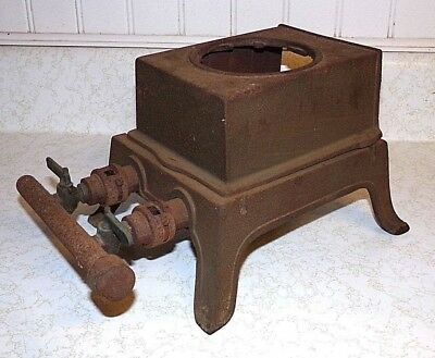 """Antique VTG CAST IRON Single 1 BURNER GAS COOKING STOVE CAMPING 2 knobs - """"Y"""""""