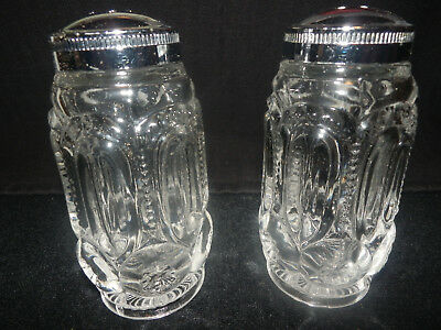 Vintage LE Smith Green Moon And Stars Glass Salt & Pepper Shakers
