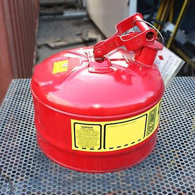 Justrite 7125100 Type 1 Galvanized Steel Flammables Safety Can 2.5 Gal 9.5L RED