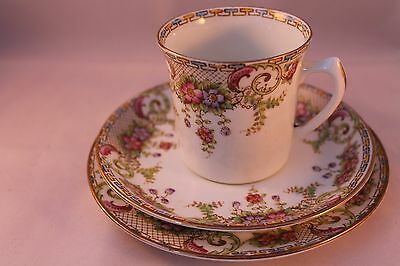 WILLIAM HUDSON SUTHERLAND CHINA TRIO TEA ESPRESSO CUP SAUCER & PLATE 1912'c
