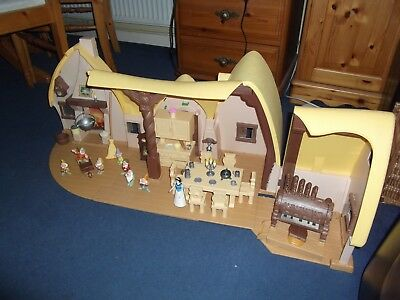 Disney Snow White and the Seven Dwarves Cottage Play Set.