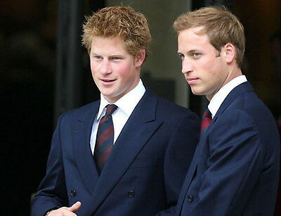In the British Army Prince Harry UNSIGNED photo D348