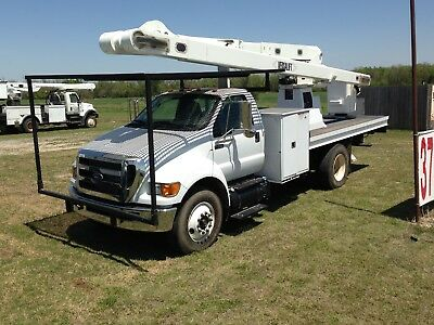 REPO  Barely used 57ft BucketTruck with fresh DiElectric Test. Forestry or Signs