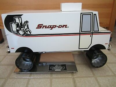 Very Rare Snap on 1989 RA Contest Award Tool Truck with 4 Glass