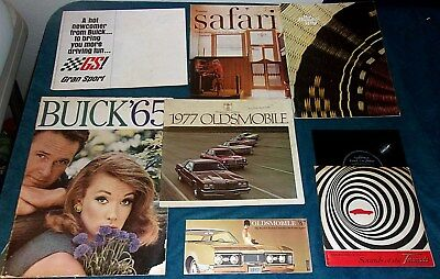 7 - GM AUTOMOBILE Promotional Booklets From The 1960s/OLDSMOBLIE/Ponticac/BUICK