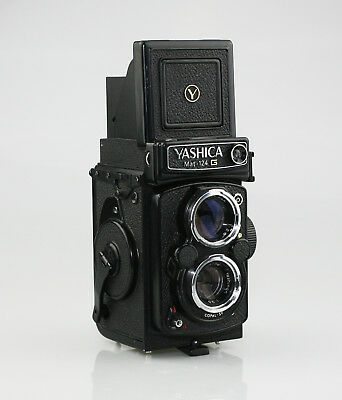 YASHICA-MAT 124 G 6x6 TLR Medium Format Film Camera with f3.5/80mm Lens (TZ111)