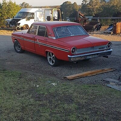 Ford  Fairlane  Compact  64 302 windsor