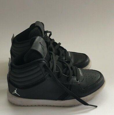 9913e7e28d88 BOYS JORDAN SHOES Black size 12c -  14.99