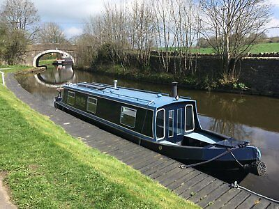 35' ft cruiser narrow boat mooring in North Yorkshire optional hire business