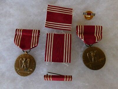 2 Wwii Good Conduct Medals With Extra Ribbon Bar And Lapel  Button