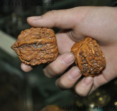 Chinese exquisite Hand-carved Buddhism Buddhist monk statue walnut Handball pair