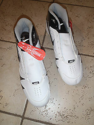 NWT Mens Nike white & black Lacrosse cleats shoes - Size 13.5