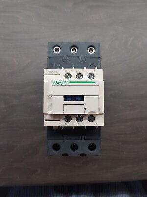 Schneider TeSys LC1D50AF7 3 Pole Contactor, 50A, 22 kW, 110V AC Coil new