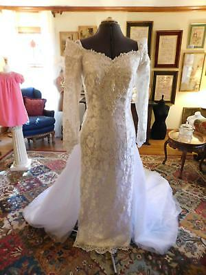 Stunning Antique White Vintage 1980's Sheath Off-Shoulder Wedding Gown Lace S 12
