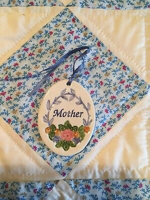 Longaberger Homestead Exclusive Carol Berry Mother  Tie On